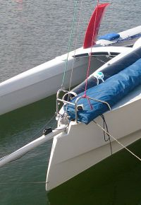 trimaran-t26-option-balcon-feux-leds.jpg
