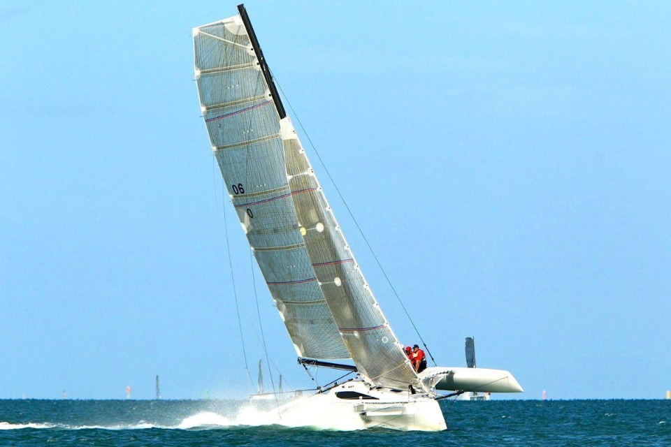 Trimaran AIRPLAY 30 OD - HUDSON Yachts